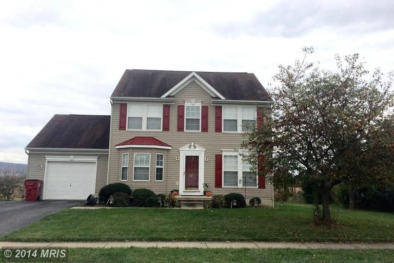 287 Crosswinds Dr, Charles Town, WV 25414