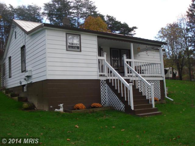 233 Bell Rd, Harpers Ferry, WV 25425