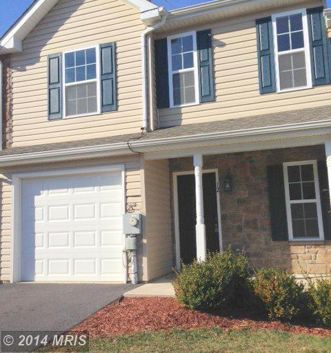 12 Fuzzy Tail Dr, Ranson, WV 25438