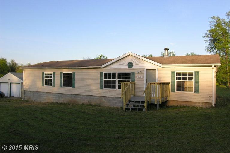207 Domer Sq, Kearneysville, WV 25430