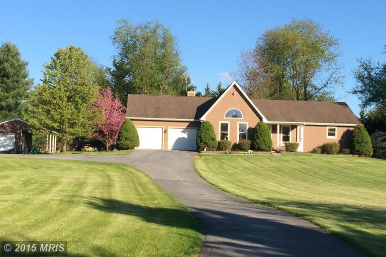 348 Dogwood Manor Dr, Shenandoah Junction, WV 25442