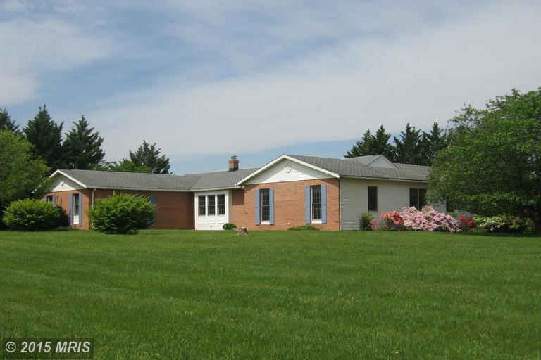 41 Oakland Ter, Charles Town, WV 25414