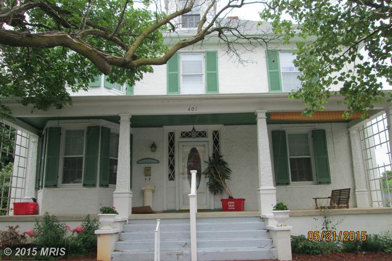 401 N Mildred St, Charles Town, WV 25414