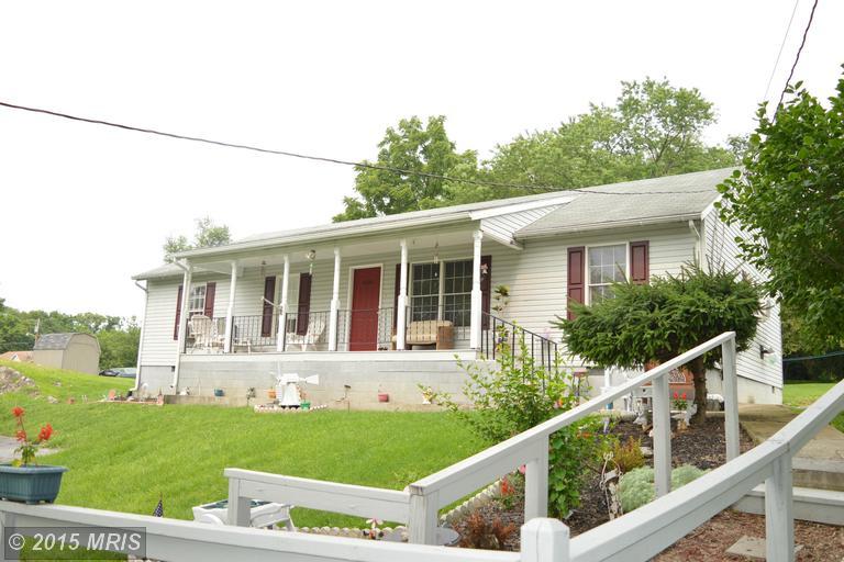 608 Stubbs Rd, Kearneysville, WV 25430