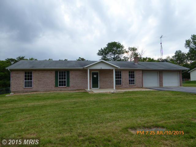 79 Hillcrest Dr, Kearneysville, WV 25430