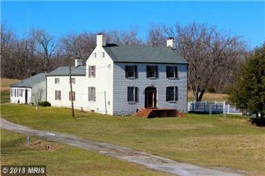 321 Peace Ridge Rd, Harpers Ferry, WV 25425