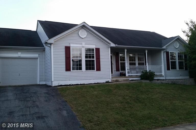 714 Crosswinds Dr, Charles Town, WV 25414
