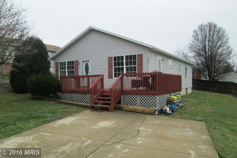 290 Fulton Ave, Charles Town, WV 25414