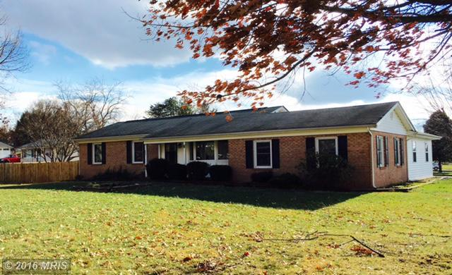 20 Lindsey Dr, Charles Town, WV 25414