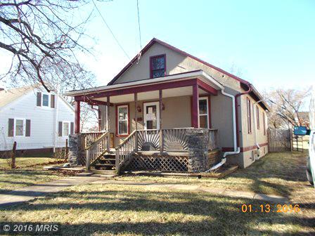 977 Jefferson Ave, Charles Town, WV 25414