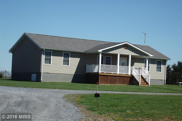 15 Hinton Ridge Ln, Kearneysville, WV 25430