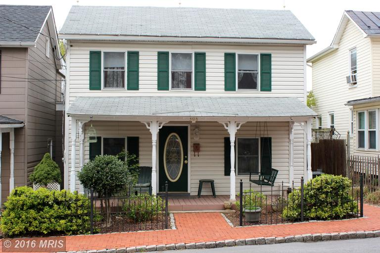 308 E Congress St, Charles Town, WV 25414
