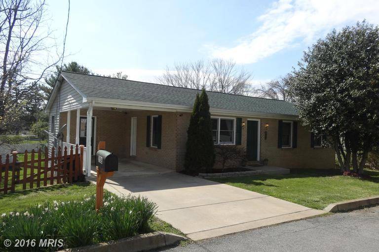 706 S Beckwith St, Charles Town, WV 25414
