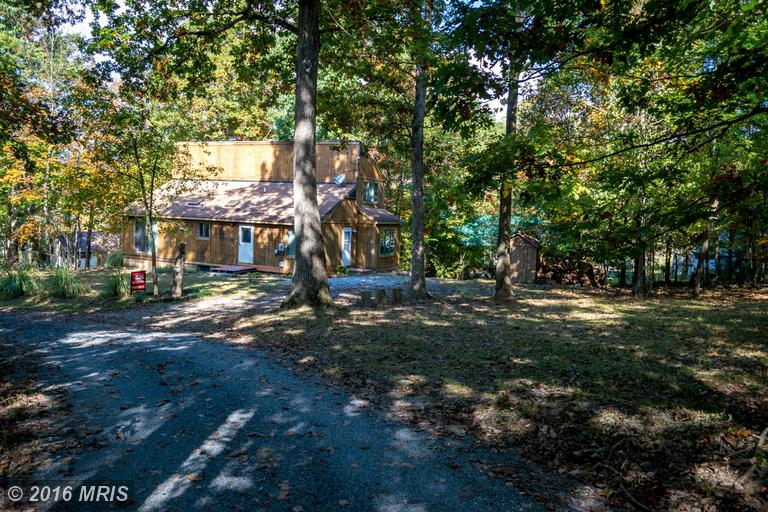 9 Sour Mash Rd, Harpers Ferry, WV 25425