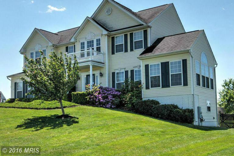 16 Spruce Hill Way, Charles Town, WV 25414