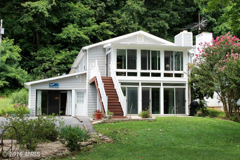 75 Mason Dr, Harpers Ferry, WV 25425