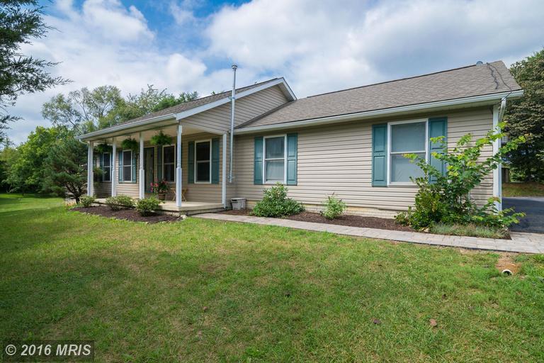 415 Cherry Hill Farm Dr, Kearneysville, WV 25430