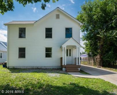 1057 Jefferson Ave, Charles Town, WV 25414