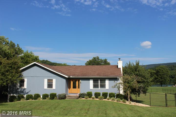 815 Mason Dr, Harpers Ferry, WV 25425
