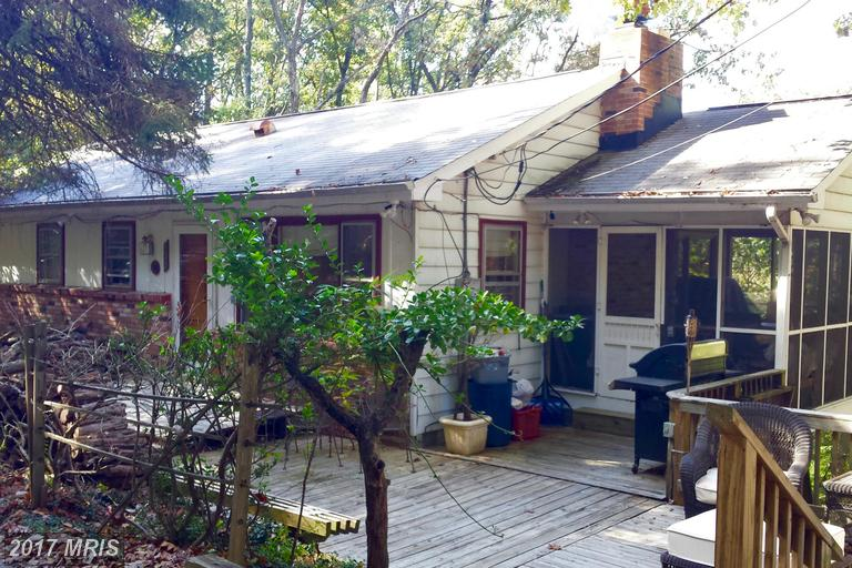 435 Valley View Rd, Harpers Ferry, WV 25425