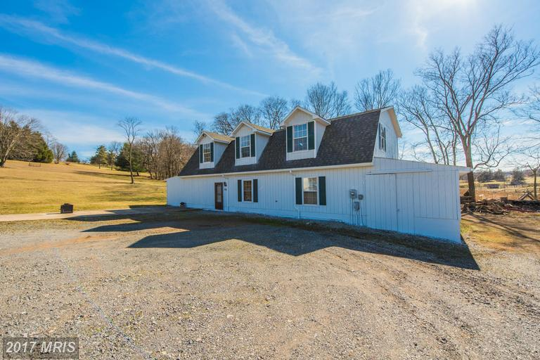 786 Best Rd, Harpers Ferry, WV 25425