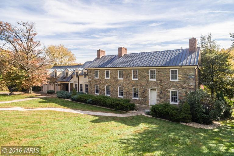 Image of Residential for Sale near Leesburg, Virginia, in Loudoun county: 33.30 acres