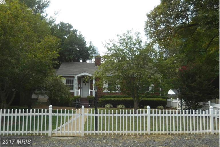 208 Sycamore St, Middleburg, VA 20117
