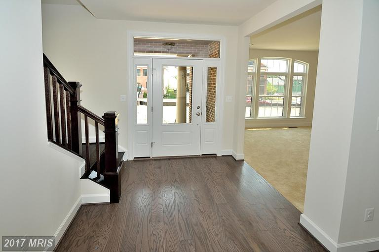 http://photos.listhub.net/MRIS/LO9906643/2?lm=20170412T001321