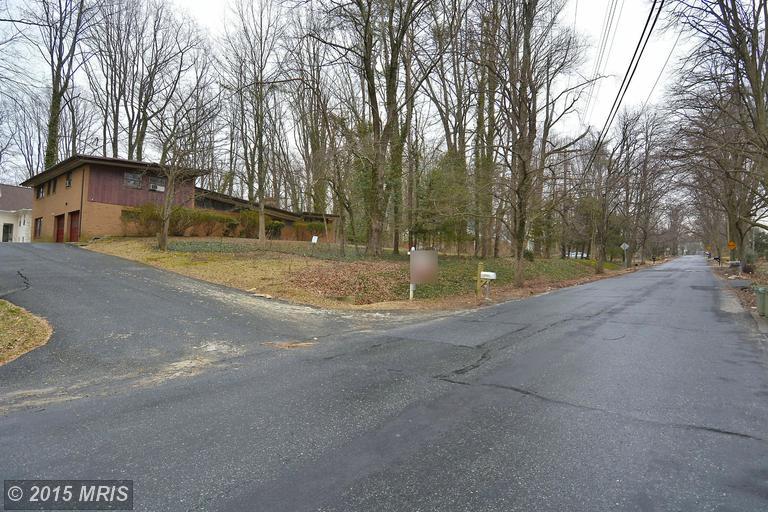11027 Marcliff Rd, Rockville, MD 20852
