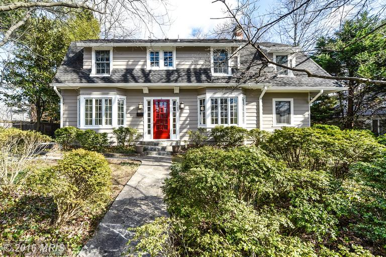 6925 Woodside Pl, Chevy Chase, MD 20815