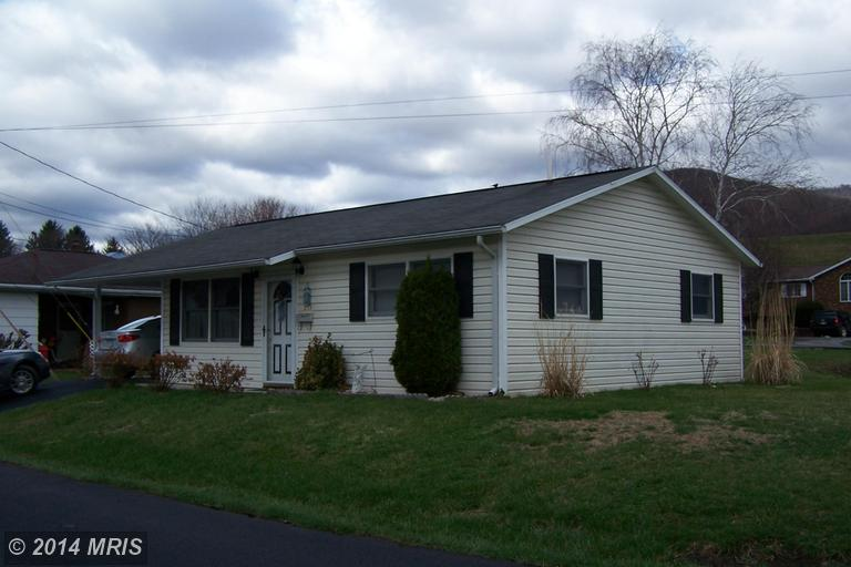 1280 Beacon St, Keyser, WV 26726