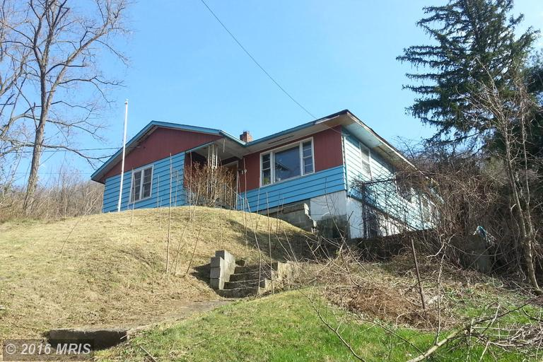 19 Dundee St, Piedmont, WV 26750