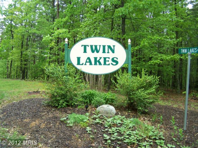 Twin Lakes Dr, Berkeley Springs, WV 25411