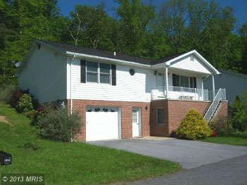 195 United Morgan Cir, Berkeley Springs, WV 25411
