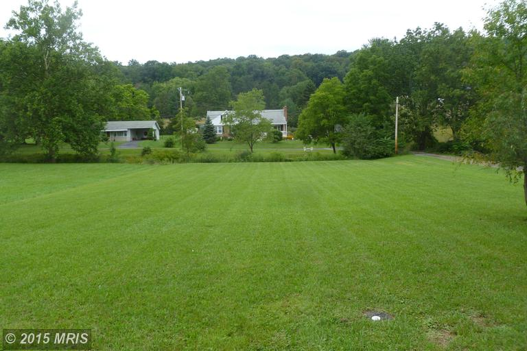 Valley Rd, Berkeley Springs, WV 25411