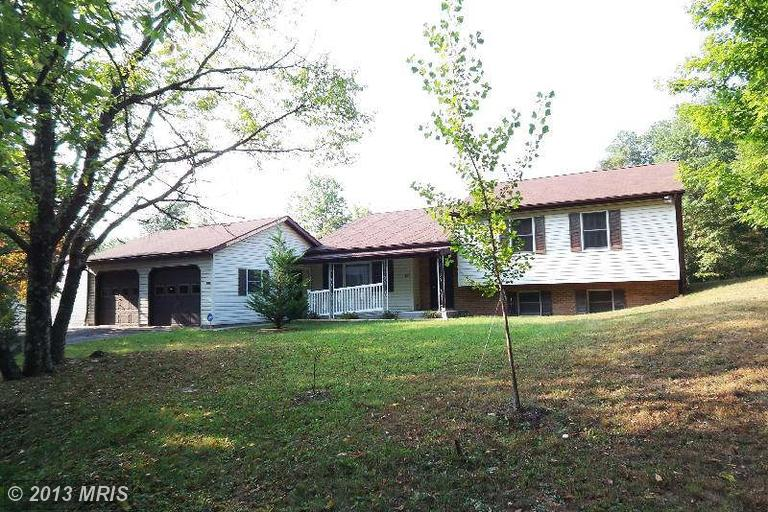 551 Sugar Hollow Rd, Berkeley Springs, WV 25411