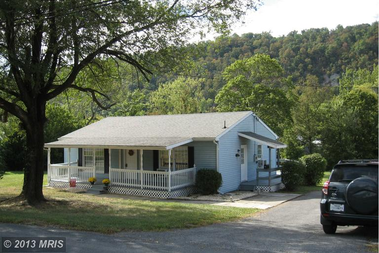 Harrison Ave, Berkeley Springs, WV 25411