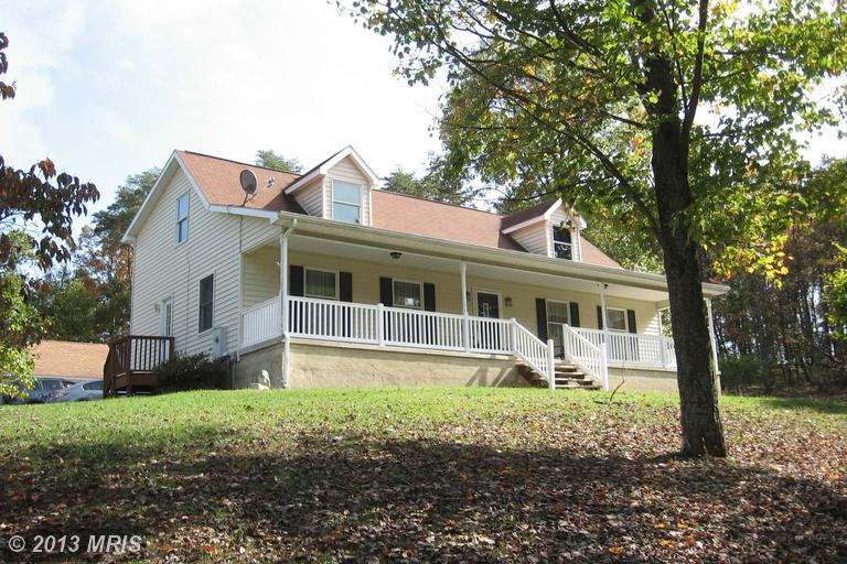622 Weber Ln, Berkeley Springs, WV 25411