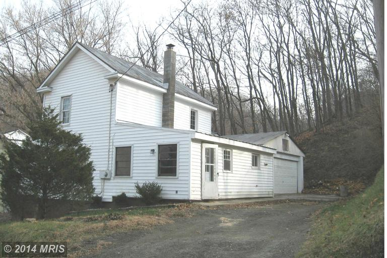 455 S Laurel Ave, Berkeley Springs, WV 25411