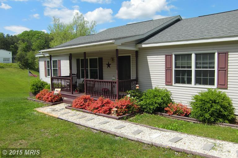 475 Morton Grove Rd, Berkeley Springs, WV 25411