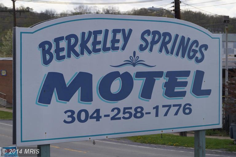 Wilkes St, Berkeley Springs, WV 25411