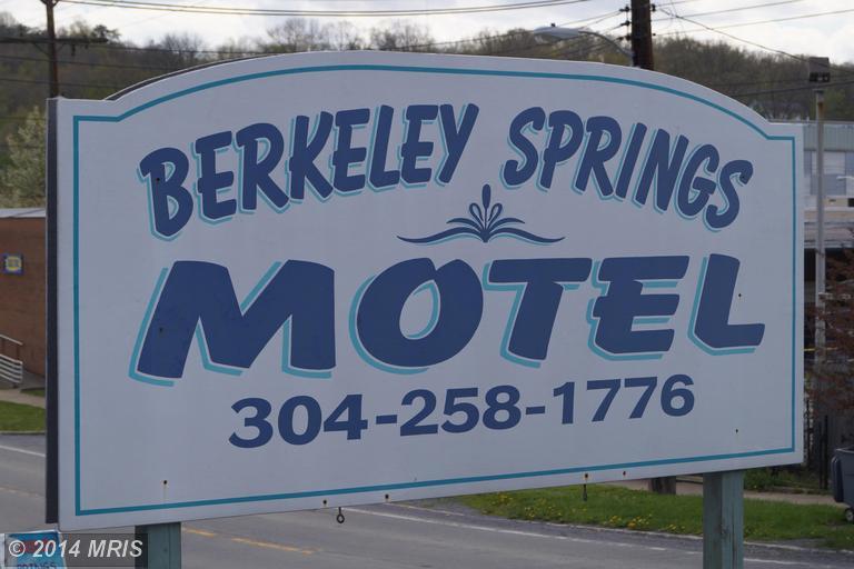 Wilkes St, Berkeley Springs, WV 25411