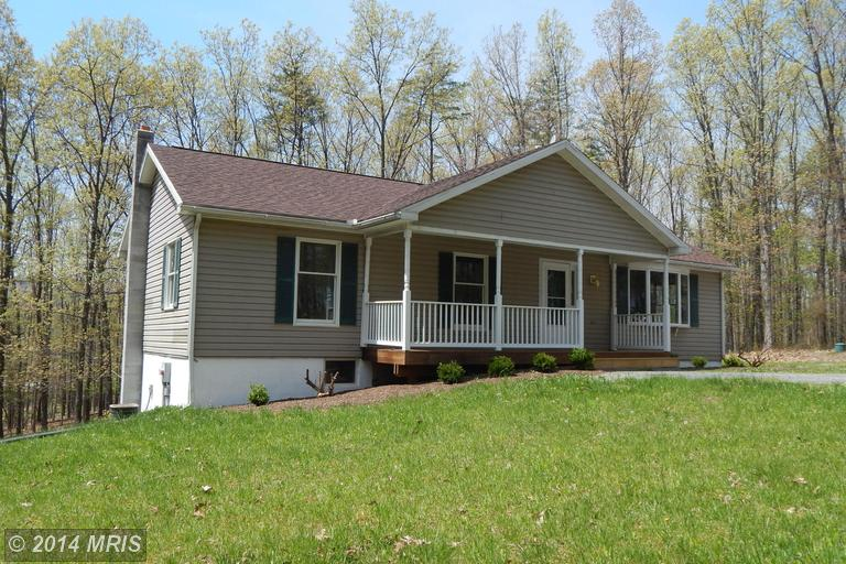 2136 Timber Dr, Berkeley Springs, WV 25411