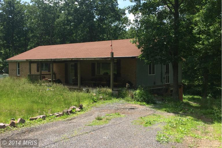 788 Honey Crest Dr, Berkeley Springs, WV 25411