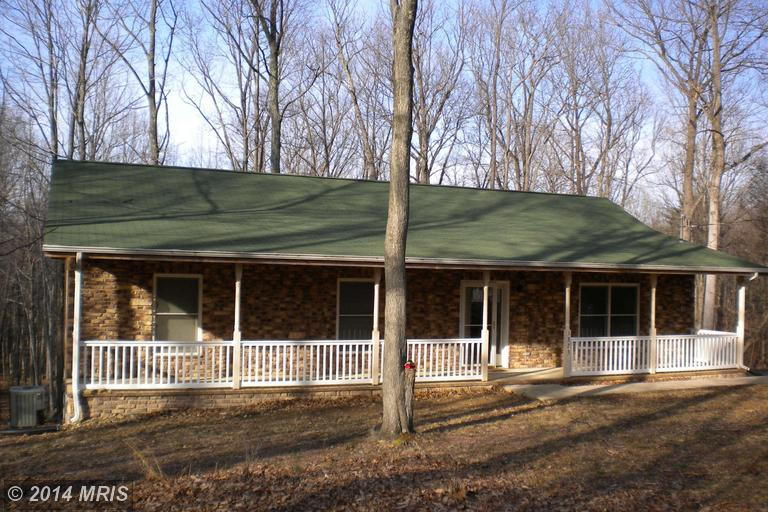 1323 Birch Grove Ln, Berkeley Springs, WV 25411