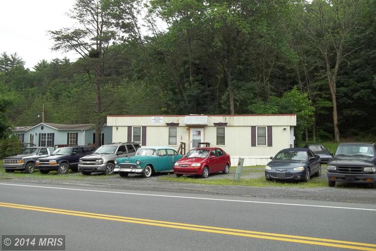 3261 Valley Rd, Berkeley Springs, WV 25411