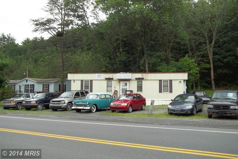 3261 Valley Rd, Berkeley Springs, WV 25411