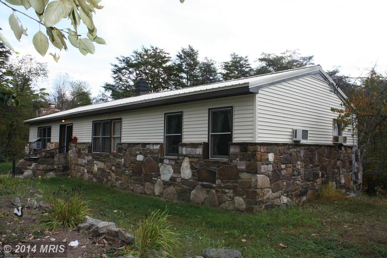 6603 Virginia Line Rd, Berkeley Springs, WV 25411