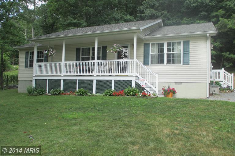85 Valley Dale Ct, Berkeley Springs, WV 25411