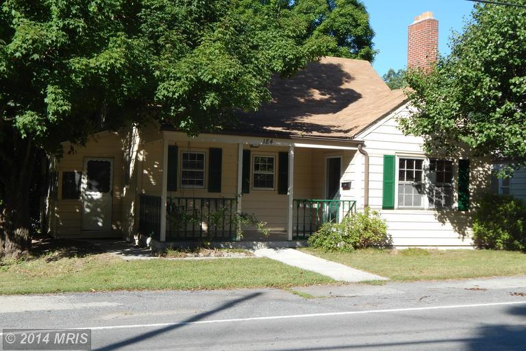 184 Martinsburg Rd, Berkeley Springs, WV 25411